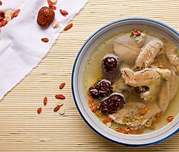 黄芪补元乳鸽汤的做法