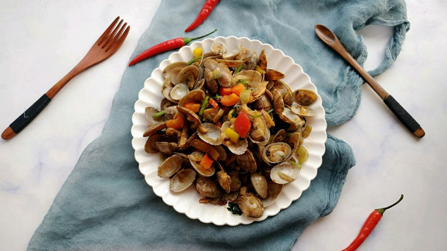 #精品菜谱挑战赛#好吃到吮指的爆炒花蛤的做法