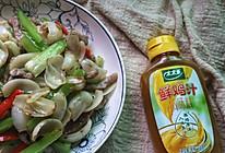 #太太乐鲜鸡汁玩转健康快手菜#百合芹菜炒肉丝的做法