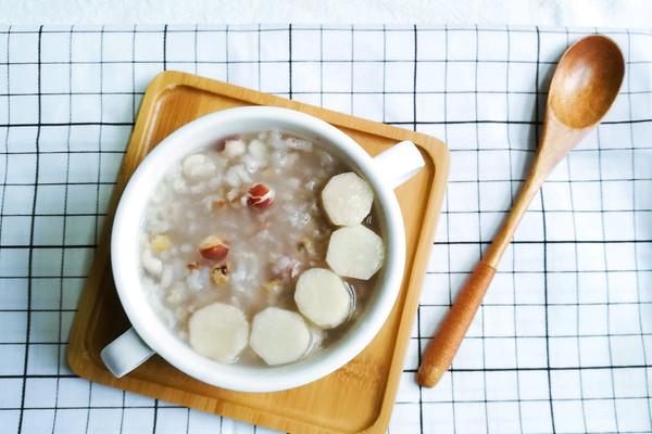 调理脾胃食谱:芡实薏米山药粥的做法