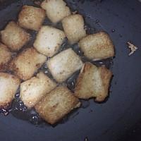 五花肉煎豆腐#美极鲜味汁#的做法图解3