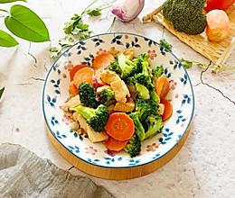 #换着花样吃早餐#减脂营养餐-鸡胸肉西兰花的做法