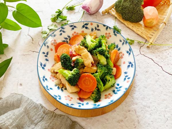 减脂营养餐-鸡胸肉西兰花的做法