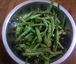 绍兴霉干菜炒豇豆的做法