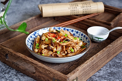 五花肉烩双菇#福临门面粉舌尖上的寻味之旅#