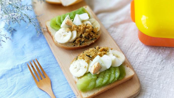 水果雞蛋肉松開放式三明治早餐