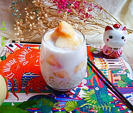 #夏日冰品不能少#蜜桃牛奶西米露的做法