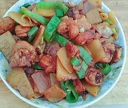 土豆片炒鸡腿的做法