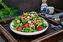 #做道懒人菜,轻松享假期#坚果冰草沙拉的做法