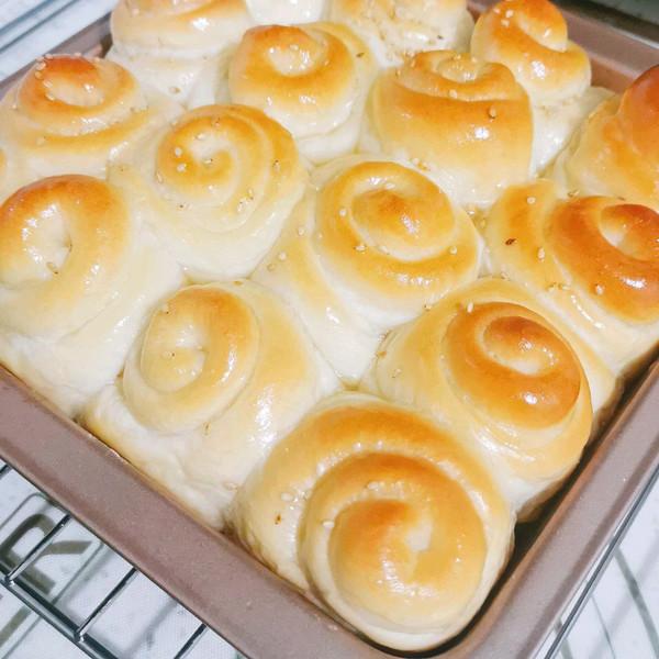 脆底蜂蜜小面包(中种法)的做法