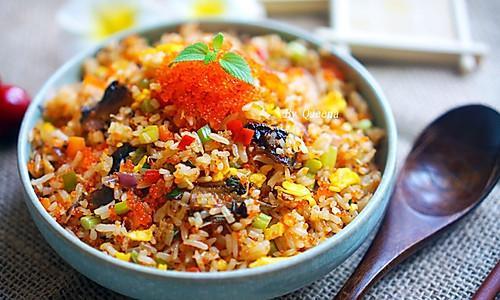 #炒饭中的爱马仕#鳗鱼蟹籽炒饭的做法