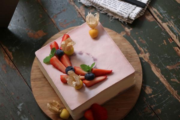 桑葚慕斯蛋糕的做法