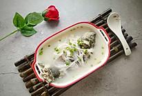 鲫鱼萝卜汤—减肥养颜汤的做法