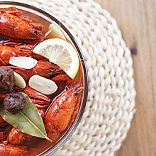 你不知道的小龙虾吃法——梅汁冰镇小龙虾