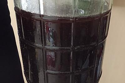 泡鲜桑葚酒