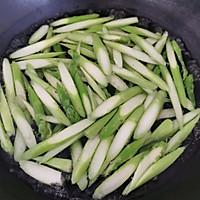 #花10分钟,做一道菜!#芦笋炒百合的做法图解5
