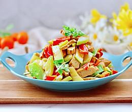 #憋在家里吃什么#香干辣炒西葫芦的做法