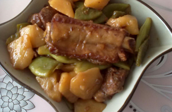 排骨炖芸豆土豆
