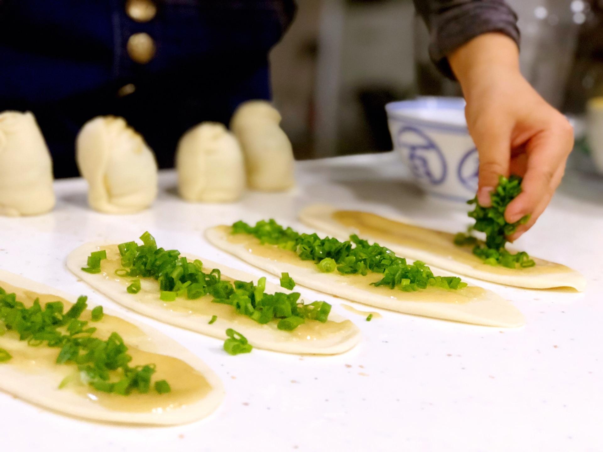 阿大葱油饼的做法_网红阿大葱油饼怎么做_网红阿大葱油饼的做法_豆果美食