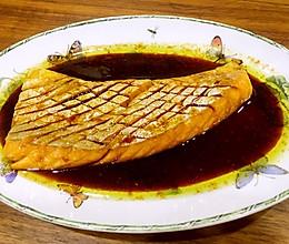 酱烧三文鱼腹部的做法