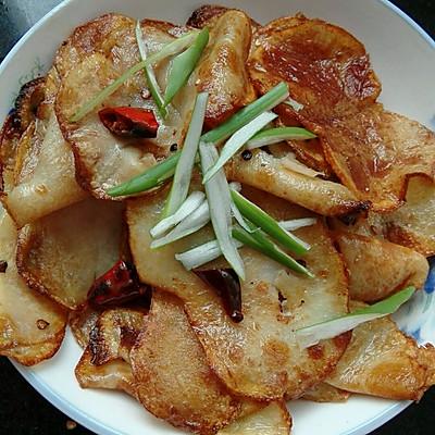 土豆新吃法(干锅土豆片)的做法 步骤3