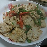 青椒炒豆腐的做法图解1