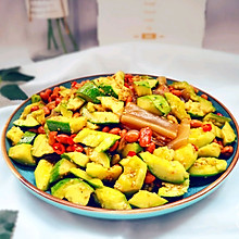 #花10分钟,做一道菜!# 凉拌黄瓜粉皮花生米
