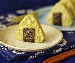 #馅儿料美食,哪种最好吃#金枪鱼沙拉三角饭团的做法