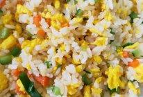 万能土鸡蛋--金珠蛋炒饭的做法