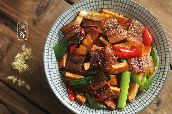 豆干炒腊肉的做法