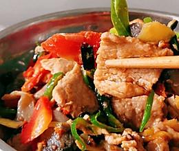 简单的蘑菇炒肉 好吃的另家人赞不绝口的做法