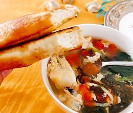 #换着花样吃早餐#越吃越香的臭馒头~赠送配套美味蔬菜汤菜谱的做法