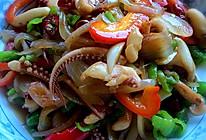 鱿鱼须炒洋葱的做法