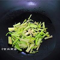 广式腊肠炒花菜#味极鲜味汁#的做法图解7