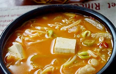 辣的过瘾的——泡菜汤的做法