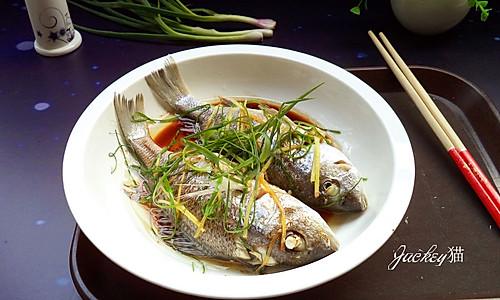 葱油蒸鲈鱼#方太蒸爱行动#的做法