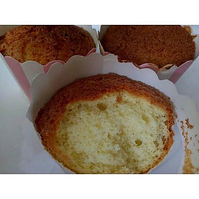 不用蛋清蛋黄分离的戚风蛋糕和杯子蛋糕