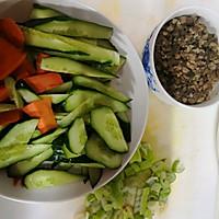 #精品菜谱挑战赛#肉末炒黄瓜的做法图解1