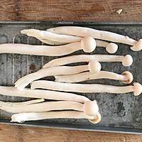 #硬核菜谱制作人#香辣海鲜菇的做法图解2