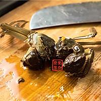家常菜系列 - 咸肉蒸大闸蟹的做法图解6