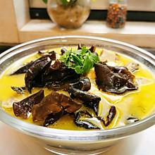 昂刺鱼木耳豆腐汤