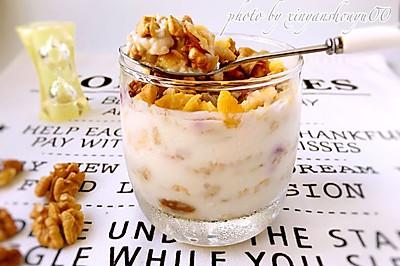 一分钟美味:水果麦片酸奶杯#健身修复食谱#