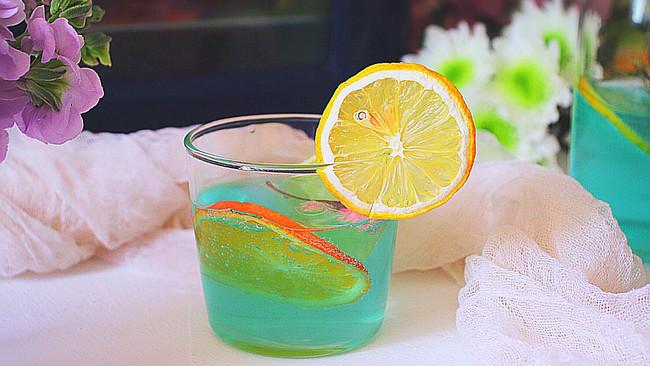 柠檬果干果露饮的做法