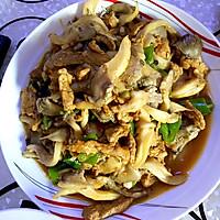 蘑菇炒肉的做法图解2