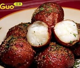 十分馋人的美式烤土豆的做法