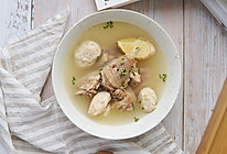 这道汤鲜味美的鸡汤,只因加了它#猴头菇炖鸡汤}的做法