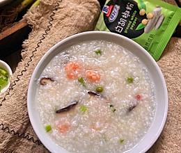 #以美食的名义说爱她#妈妈的专属什锦海鲜粥的做法