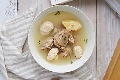 这道汤鲜味美的鸡汤,只因加了它#猴头菇炖鸡汤}