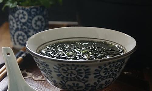 【紫菜虾皮汤】如何让紫菜汤更鲜美?更有营养!!的做法