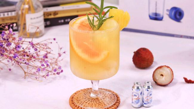荔枝椰汁起泡水的做法